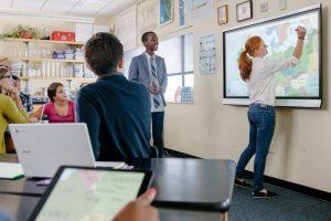 ecran-interactif-pour-l-enseignement